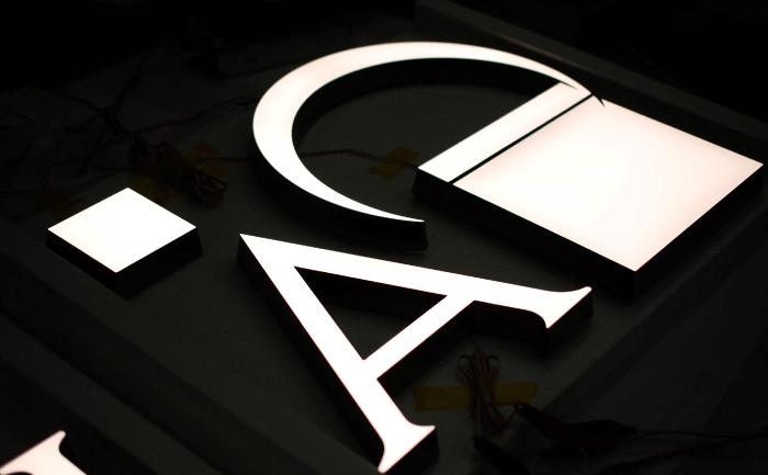 LEDスライド02