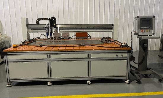 自動スタットボルト溶接機