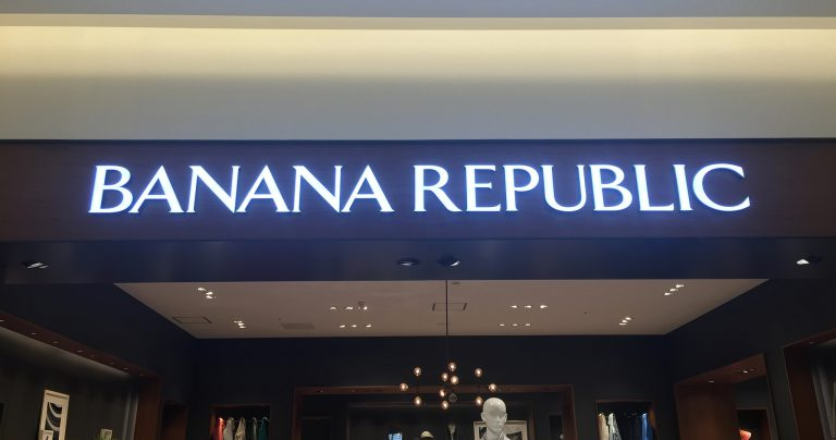 BANANA REPUBLIC:LEDサイン:ゼロチャンネル
