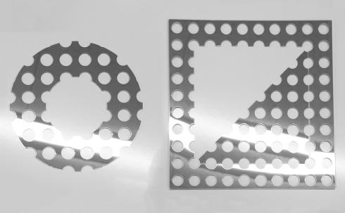 鏡面パンチングメタルの写真